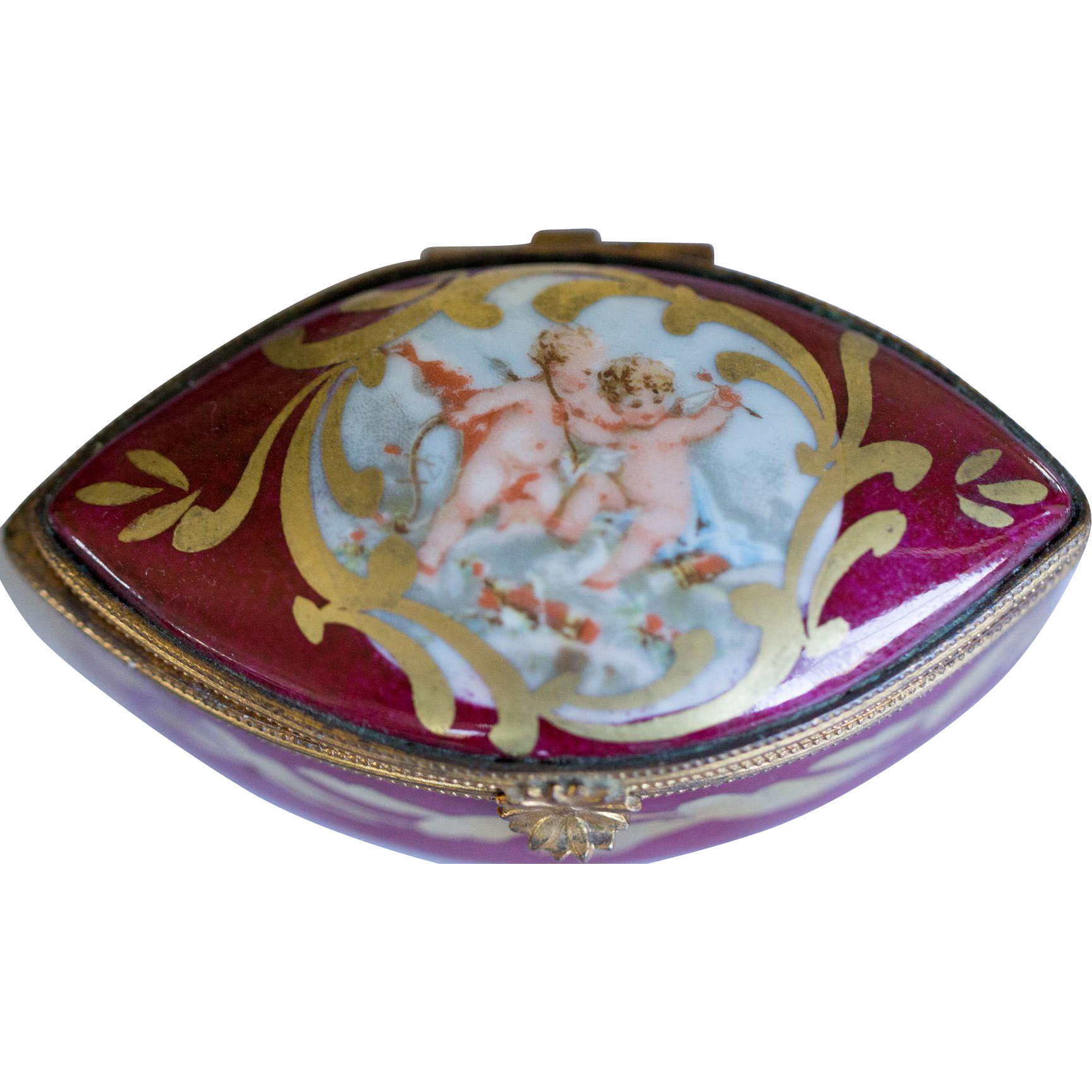 Lovely Vintage Limoges Box Depicting Angels Or Cupids Sold