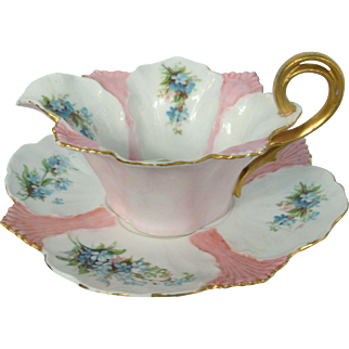 Pink and White RS Prussia Sauce Boat With Stand Forget-Me-Nots Mold 627