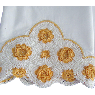 Fancy Hand Crochet Trimmed Pillowcases With Roses