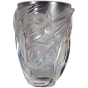 Lalique France Martinets Frosted Birds in Flight Art Glass Vase