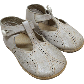 "Vintage 4"" White Leather Shoes for Larger Bisque Doll"