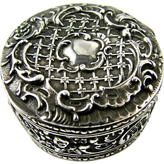 Antique French 19th Century Baroque Design Pill or Snuff Box Continental 800 Silver - Punch Marks - Excellent condition