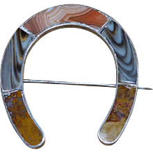 Large 19th Century Victorian Scottish Sterling Silver and Agate Horseshoe Pin
