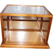 """Nice wood and plastic sides room box. measures 17 1/2"""" X 12 1/2"""" X 13 3/4"""" in size on the outside. Wood base. Great for vignettes and room box."""
