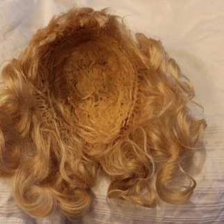 """Great Antique Blond Mohair doll wig, with bangs, Hand wefted, thick mohair wig! 9"""" head circumference! Long curls, Center part doll wig."""