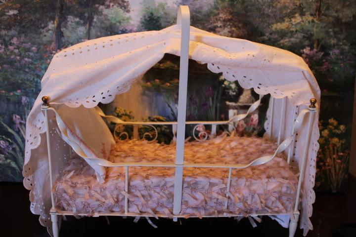 Selling At Cost White Antique Metal Canopy Doll Bed