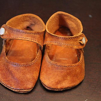 """Brown leather doll shoes in great condition! Measures 3 1/16"""" long X 1 7/16"""" wide in size.  4 leaf clover mark with  J. R. on them."""