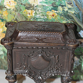 Bronze Color Antique French Metal  chest, great for doll houses! Top opens up to hold your treasures! Weighs 1 3/4 pounds in weight!