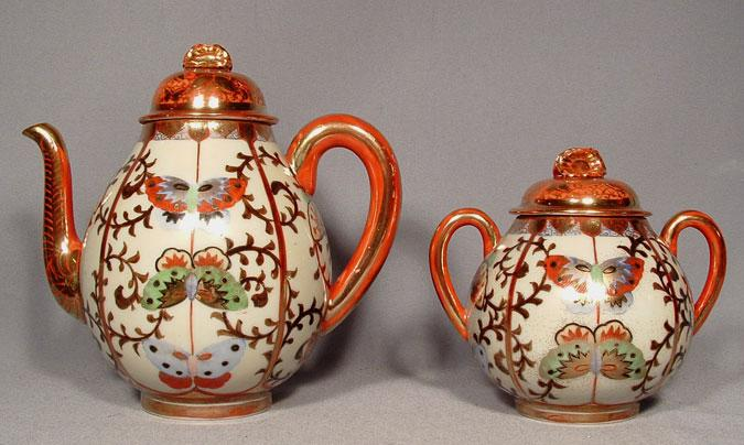 Antique Japanese Kutani Porcelain Teapot & Sugar Bowl, 19th century