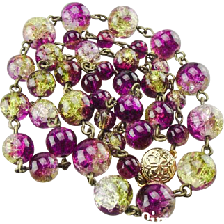 Vintage 1950's crackle glass beaded necklace.
