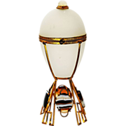 Antique French white Opaline crystal glass egg shaped Box ormolu mounts w/ Agate cabochons and Moon stone