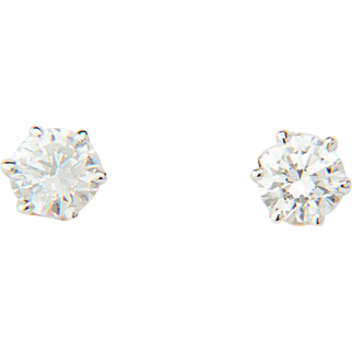 Vintage diamond earrings 1.11 cwt 18 k white gold stud earrings I.G.L. Lab diamond reports