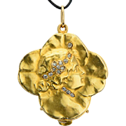 Antique Art Nouveau locket pendant diamonds lucky four clover leaves 18 k yellow gold circa 1895 s