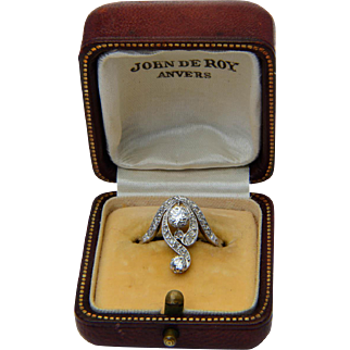 Antique Victorian/Art Nouveau diamond ring 18 k yellow gold circa 1900