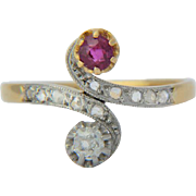 Antique cross-over engagement ring Victorian/Art Nouveau diamond ruby 18 k yellow gold and platinum circa 1900 s