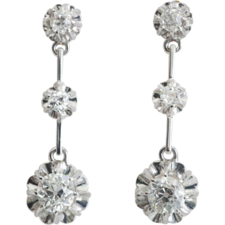 Art Deco sparkling 1.30 cwt diamonds drop earrings 18 k white gold circa 1920 s