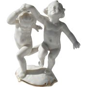 Hutschenreuther Karl Tutter Figurine Pair of Cherubs Putti Angel Dancing