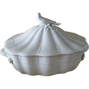 Herend White Porcelain Basketweave Bird Finial Roses Tureen