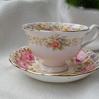 Royal Albert Serena Pink Roses Floral 839329 Teacup and Saucer Avon Round