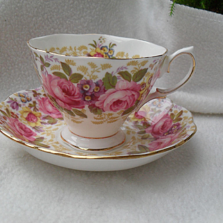 Royal Albert Serena Pink Roses Floral 839329 Teacup and Saucer Malvern