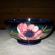 Beautiful Classic William Moorcroft Signed Anemone Cobalt Bowl