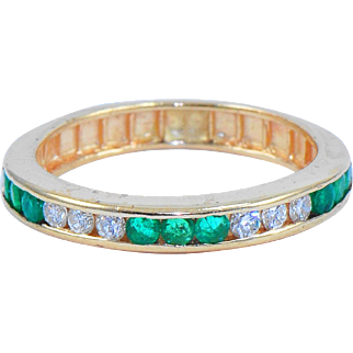 Diamond Emerald Vintage Band Ring in 14 k Gold