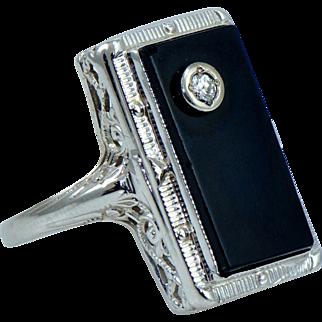 Vintage Black Onyx & Diamond Ring in 14 kt Gold