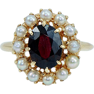 Vintage Garnet and Seed Pearl Ring in 14k Gold.