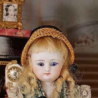 All original  early Simon&Halbig  bisquit  Doll