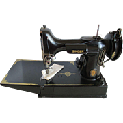 Singer  Centennial-Featherweight 221/1 Sewing Machine