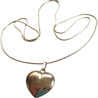 14 k YG Box Chain /Puffed Heart Necklace