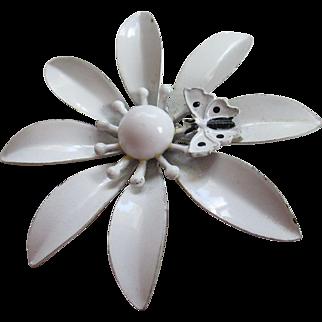Vintage White Daisy Flower Brooch