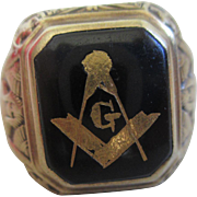 1950s 14 KT Gold Masonic Mens Ring