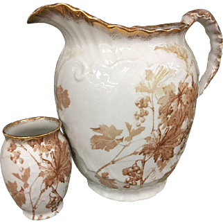 Ridgeways Royal Semi Porcelian Muscatel England Small Vase Near Mint Condition