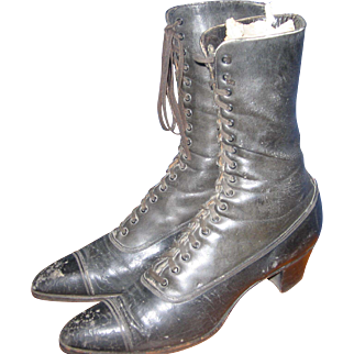 Victorian High Boots with small heel leather