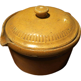 Yellow glazed circular pot 19th century French Alsatian culinary pottery