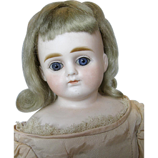 Closed Mouth ABG Antique German Fashion Doll