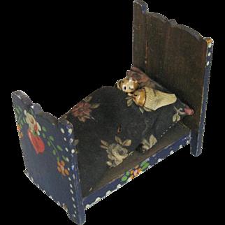Antique Miniature Painted Wood Bed and Grodnertal Type Dolls Folk Art Primitive Doll House Furniture