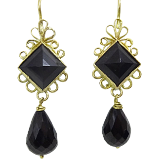 Handmade 9 karat Gold and Onyx Earring
