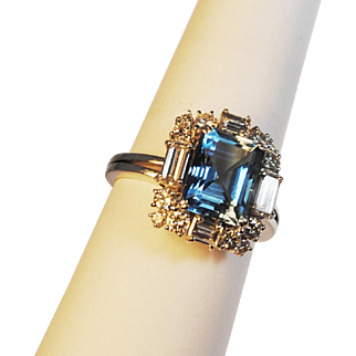 Fabulous Aquamarine 3.72 carats and Diamond 1.68ctw. 14kt White Gold Ring