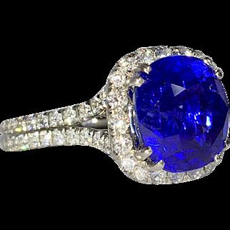 Amazing  5.05 carat Sapphire and Diamond Platinum Ring