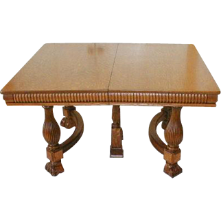 Oak Victorian Dining Table with Three Leaves