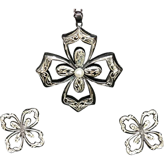 Vintage Neillo Floral Pendant and Earring Set in Sterling Silver.