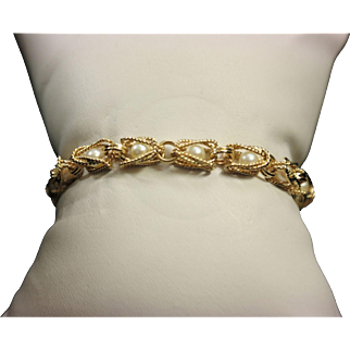 1950's 14K Yellow Gold Caged Pearl Bracelet.
