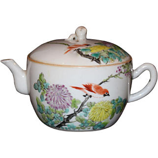 Chinese Porcelain Small Tea Pot with Floral & Bird Motif