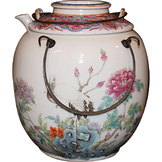 Chinese Porcelain Famille Rose Tea Pot with Strainer