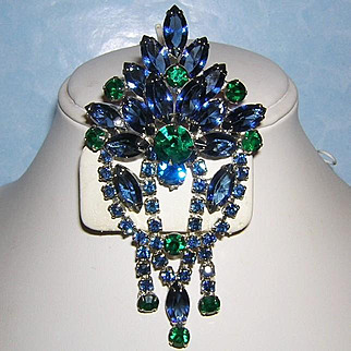 1972 Stunning 4 Inch Peacock Color Rhinestones Dangling Pin / Brooch