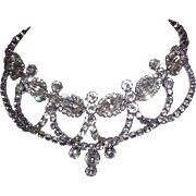 WEISS Timeless ELEGANCE Crown Jewels Look Rhinestone Bib Necklace