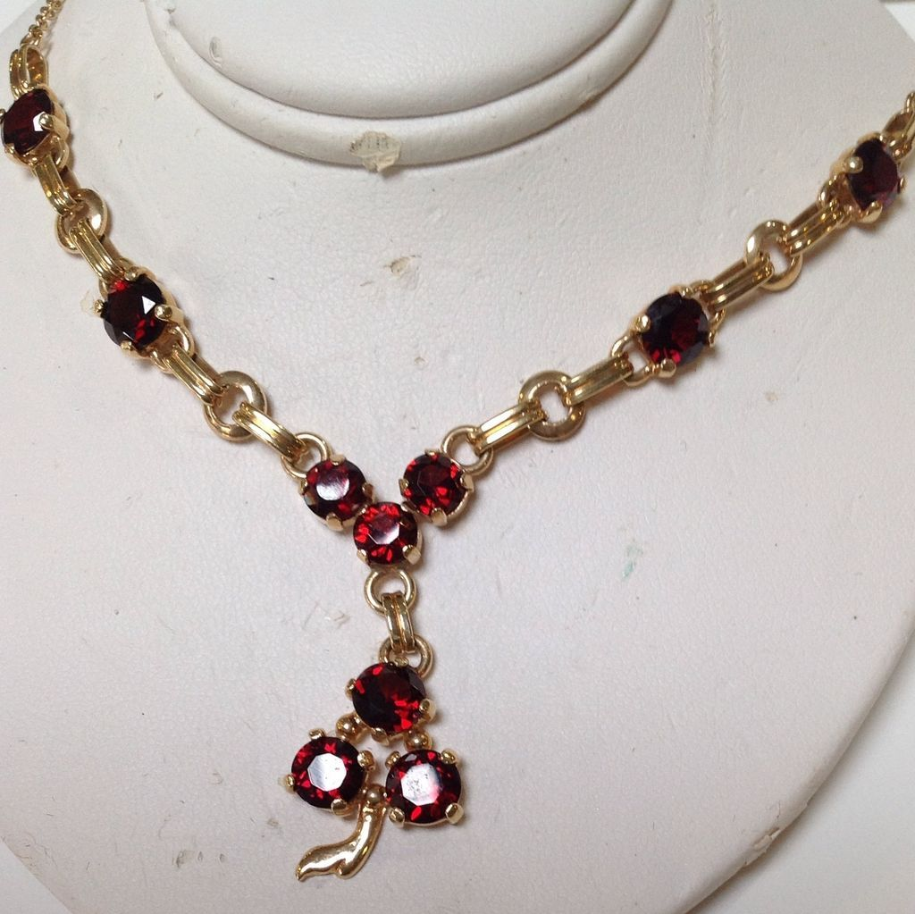 garnet necklace 14 karat yellow gold from