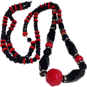 Black and Red Bead Flapper Necklace